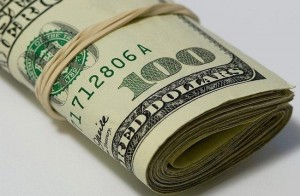 Поддельные доллары в Украине встречаются все чаще. Как не попасть!