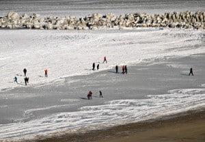 Поляки готовы провести зиму на побережье